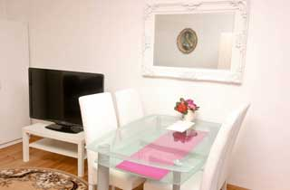 One bedroom apartment close to Wilmersdorfer Strasse